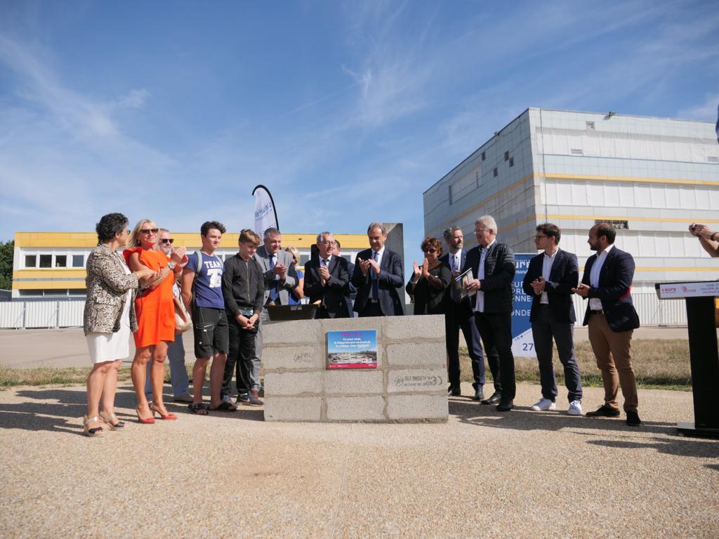 La reconstruction du collège Jean-Rostand a débuté